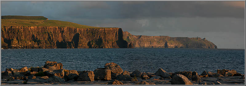 Cliffs of Moher im Abendlicht